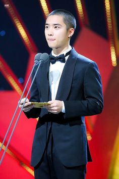 171125 Blue Dragon Awards #DOKYUNGSOO Kyungsoo, Chanyeol, Exo Korean, Exo Do, Do Kyung Soo, Blue Dragon, Chinese Boy, Music Awards, Boy Groups