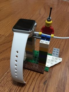 I made a simple Lego watch dock.
