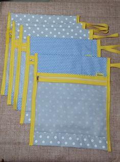Kit com 5 saquinhos para colocar as roupas que o bebê vai usar na maternidade. Feitos de tricoline com tela e ziper, perfeitos para organizar a mala do bebe. As medidas descritas são aproximadas.