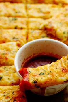 Jan 2020 - This Homemade Garlic Cheese Breadsticks Recipe will put your local pizzeria's to shame! A homemade dough is topped with an addictive garlic butter sauce and finished with gooey cheese! Garlic Breadsticks, Breadsticks Recipe, Homemade Breadsticks, Scones, Bread Recipes, Cooking Recipes, Tapas, Garlic Cheese, Garlic