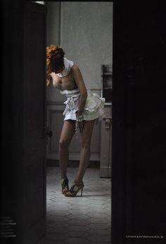 Mylene Farmer photografier par Bruno Aveillan  pour le magasine Citizen K (2011)