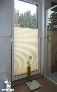 Great sensuna Plissee an einer Badezimmer Balkont r Kundenfoto sensuna pleated blind on a