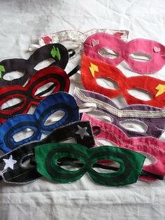 Super hero masks (Foreign language, but with google chrome you just hit the translate button)