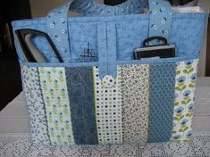 Crochet ideas that you'll love Sacs Tote Bags, Quilted Tote Bags, Diy Tote Bag, Patchwork Bags, Bag Patterns To Sew, Tote Pattern, Denim Bag, Fabric Bags, Cloth Bags