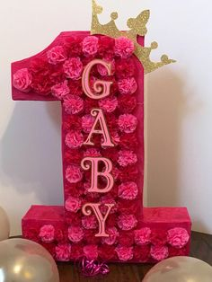 Number piñata, customized colors, carnations paper flowers, with name. In any color needed Ballerina Birthday Parties, Gold Birthday, 1st Birthday Girls, Unicorn Birthday, First Birthday Parties, First Birthdays, Princess Pinata, How To Make Pinata, Prince Birthday