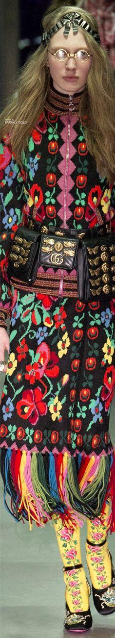 rainbowfashion.quenalbertini: Gucci Fall 2017 RTW   Sparkly Gold