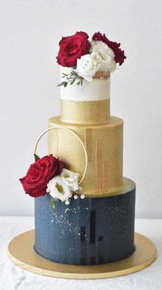 59 unique wedding cake designs, unique wedding cakes, pretty wedding … - All about wedding Pretty Wedding Cakes, Black Wedding Cakes, Floral Wedding Cakes, Unique Wedding Cakes, Wedding Cakes With Flowers, Wedding Cake Designs, Wedding Cake Toppers, Wedding Themes, Wedding Colors
