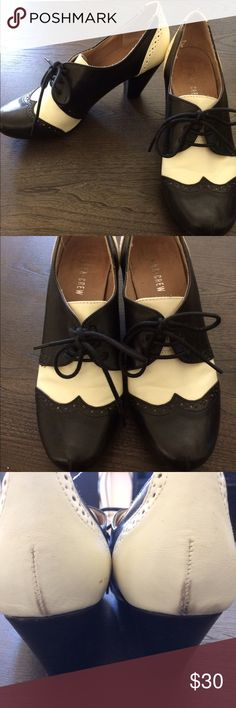 "Chelsea Crew Oxford heel Chelsea Crew Oxford heel in black and white. These are so adorable and comfy!! Size 9 (European 40) They run true to size and the heel is 2.75""   Purchased from ModCloth ModCloth Shoes Heels"