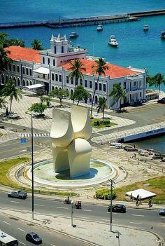 Comando do 2º Distrito Naval - Marinha do Brasil - No Bairro do Comércio em Salvador / Bahia.