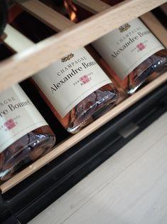 Champagne / wine cabinet