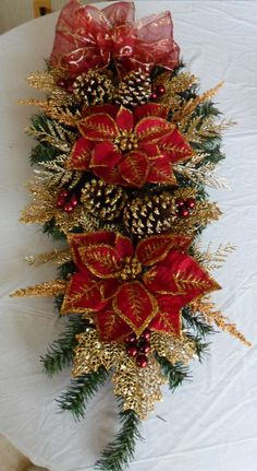 Christmas Swag / Christmas Swag in Cranberry and Gold / Holiday Swag / Christmas Decor / Holiday Decor / Christmas Centerpiece / Wreath - Navidad Christmas Floral Arrangements, Gold Christmas Decorations, Christmas Swags, Outdoor Christmas, Holiday Wreaths, Christmas Art, Christmas Holidays, Christmas Ornaments, Burlap Christmas