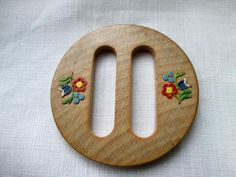 Wooden Buckle with Painted Floral Carving 20th Century 30s 40s Hearts Designs