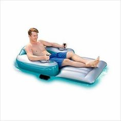 Motorized Inflatable Swimming Pool Lounger-Toy - www.Gifteee.com - Cool Gifts \ Unique Gifts - The Best Gifts for Men, Women and Kids of All Ages Best Gifts For Men, Cool Gifts, Unique Gifts, Cool Pool Floats, Running Jokes, Old Video, Floating In Water, Water Toys, Pvc Vinyl