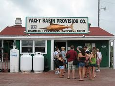 North Carolina Epicurean Adventure: Yacht Basin Provisions in Southport, NC - A Great Little Seafood Find!