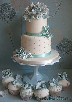 Blue winter wonderland wedding cake & cupcakes