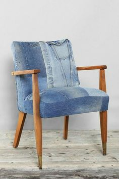 Small Accent Chairs For Living Room Denim Furniture, Concrete Furniture, Upcycled Furniture, Cool Furniture, Denim Decor, Diy Furniture Restoration, Estilo Jeans, Reupholster Furniture, Denim Ideas