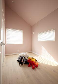 Girls Bedroom, Bedroom Decor, Plain Wallpaper, Roller Blinds, My Room, Decoration, Toddler Bed, Curtains, Interior