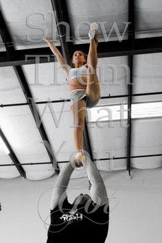 Cheerleading pose Stunt