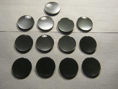 12 Stück Mantelknöpfe mit Öse,Schillerknöpfe,Grausilber,Durchmesser ca.34 mm,Neu,Lübecker Knopfmanufaktur von…