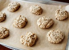 Sunflower Seed Cookies - a basic oatmeal cookie with sunflower seeds! Recipe To Make Chocolate, Make Chocolate Chip Cookies, Oatmeal Cookies, Chocolate Chips, Seed Cookies, Cake Cookies, Cookies Et Biscuits, Sunflower Seed Recipes, Sunflower Seeds