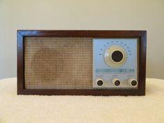 Vintage 1960s Klh Excelente Modelo 21 Radio Fm, esta unidad tiene sonido Excelente!!!