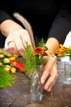 Thanksgiving Fall Tablescape Ideas From Holly Chapple 7 Thanksgiving Table Settings, Diy Thanksgiving, Thanksgiving Centerpieces, Pumpkin Floral Arrangements, Flower Arrangements, Pumpkin Planter, Pumpkin Centerpieces, Centerpiece Flowers, Pumpkin Wedding