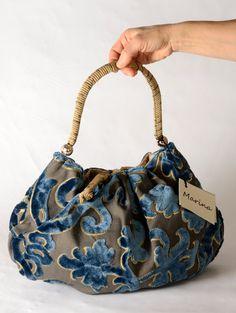 Cute Handbags, Purses And Handbags, Potli Bags, Denim Purse, Diy Handbag, Bag Patterns To Sew, Simple Bags, Fabric Bags, Handmade Bags