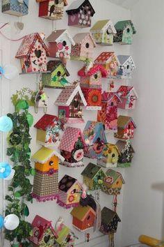 innovative decoration bird house painted see : These free birdhouse plans include everything you need to construct a birdhouse for your yard. You can find detailed instructions, diagrams, photos, a. Diy Home Crafts, Garden Crafts, Wood Crafts, Crafts For Kids, Paper Crafts, Garden Ideas, Bird Houses Painted, Decorative Bird Houses, Bird Houses Diy