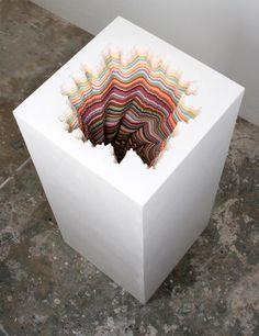 les sculptures en papier découpé de Jen Stark.