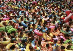 Chinese Swimming Pools, the Most Crowded in the World! Source: It Happens Only In Asia - The Most Crowded Swimming Pools in China