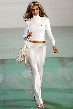 Valentino Spring 2003 Ready-to-Wear Fashion Show - Ana Beatriz Barros (SILENT), Valentino Garavani