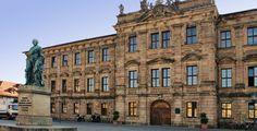 """Friedrich-Alexander-Universität Erlangen-Nürnberg """"Schloss-Erlangen02"""" von Selby - Eigenes Werk. Lizenziert unter CC BY-SA 3.0 über Wikimedia Commons."""