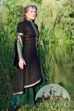 DISCOUNTED PRICE Medieval Fantasy Dress and Overcoat Set