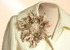 Pastel leather brooch