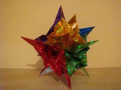 Estrella brillante de papel hecha a mano