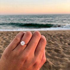 Circle Wedding Rings, Gold Band Engagement Rings, Beautiful Wedding Rings, Princess Cut Engagement Rings, Diamond Wedding Bands, Round Solitaire Engagement Ring, Solitaire Diamond, Women Wedding Rings, Dream Wedding