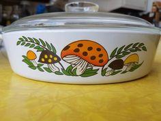 Vintage Tableware, Vintage Dinnerware, Vintage Dishes, Vintage Ceramic, 70s Kitchen, Glass Kitchen, Vintage Kitchen, Corningware Vintage, Soup Bowls With Handles
