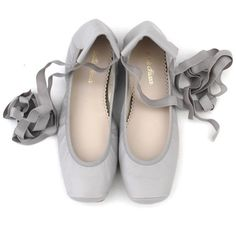 BELLE CHIARA LEATHER PUNTAS BALLET FLATS LIGHT GREY (5.965 RUB) ❤ liked on Polyvore featuring shoes, flats, skimmer flats, ballerina pumps, leather ballerina shoes, leather ballet flats shoes and ballerina flat shoes