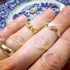 shiny little things: Knuckle Ring Free Project and DIY