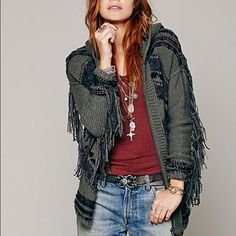 FREE PEOPLE GEO FRINGE HOODED CARDIGAN SZ S Oversized comfy fall/winter zip cardigan with a beautiful geo pattern and fringe! Colors are hunter green, charcoal grey and black! Basically brand new. Free People Sweaters