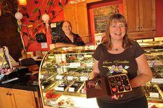 Chocolatier Melanie Boudar makes mind blowing chocolate at Sweet Paradise Chocolate in Wailea, Maui Hawaii at the Wailea Gateway Center next to Kai Kanani Maui Restaurants, Cheap Chocolate, Wailea Maui, Hershey Bar, Maui Hawaii, Corn Syrup, Mind Blown, Kai, Paradise