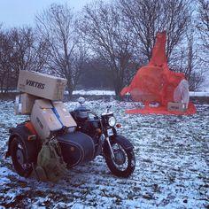 ✈️Dozásobení proběhlo bez závad📦. Podívejte se co máme nového💥.Skočte si na www.harrant.cz🎁  #viktos #sidecar #motodnepr #winterdriving #offroad #airborne #airdrop #resupply #dneprmotorcycles