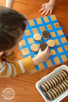 Break open a box of cookies and let your kids play Cookie Othello. 29 Boredom Busters Your Kids Will Actually Love Childrens Board Games, Board Games For Kids, Fun Activities For Kids, Kid Games, Cooking Games For Kids, Toddler Games, Family Games, Art For Kids, Crafts For Kids