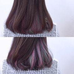 暗髪とインナーカラー。