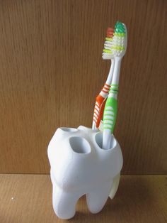3D printed toothbrush holder at Makerfaire 2014 in Paris