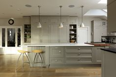 Richard Baker Furniture - Hampton Kitchen Pale grey cabinets and light work surface Accent of wood in chopping block Is this shaker or more classical? Hamptons Kitchen, Hamptons Decor, The Hamptons, Baker Furniture, Kitchen Furniture, Furniture Design, Furniture Nyc, Kitchen Living, New Kitchen