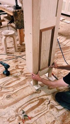 Easy Woodworking Projects, Woodworking Techniques, Diy Wood Projects, Woodworking Shop, Home Projects, Wood Crafts, Hidden Spaces, Hidden Rooms, Secret Rooms