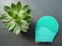Szczoteczka soniczna do oczyszczania twarzy DermoFuture Technology ~ Lepsza wersja samej siebie