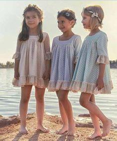 super Ideas fashion dresses for kids skirts Little Girl Fashion, Toddler Fashion, Kids Fashion, Little Dresses, Little Girl Dresses, Girls Dresses, Retro Mode, Skirts For Kids, Cooler Look