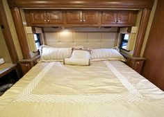 Natural RV mattress options to replace a factory RV bed. Sleep better with less chemical exposures. Where to buy healthy latex and organic mattresses. Rv Mattress, Camping Mattress, King Size Mattress, Queen Mattress, Horse Trailers For Sale, Rv Campers, Happy Campers, Camper Life, Camper Van